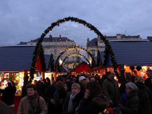 Le Marché de Noel d'Angers avec une très forte affluence