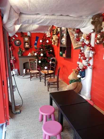 La Maison du Père-Noël accueille les séances de maquillage