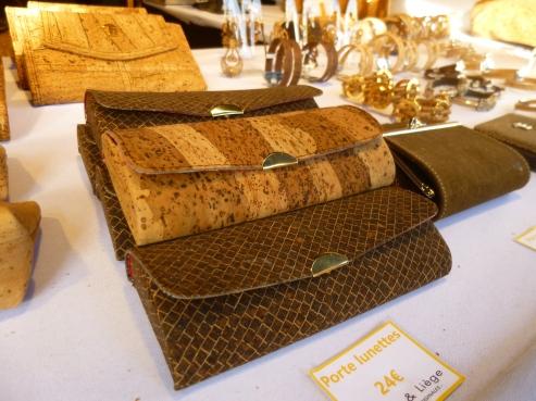 Les accessoires en liège : la mode au Marché de Noël